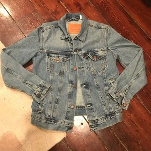 Levi's boyfriend Jean jacket, size small